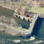 Enfield Falls Canal Head Lock