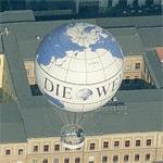 Berlin HiFlyer balloon in flight (Birds Eye)