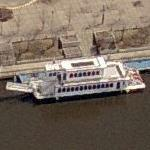 Minneapoils Queen paddlewheeler