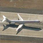 Airplane - Americn Airlines MD-80 Landing in Atlanta (Birds Eye)