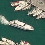 Yacht in motion (Birds Eye)