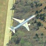 American Airlines jet on approach to Dallas-Fort Worth (Birds Eye)