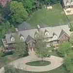Jay-Z & Beyonce's Mansion (Falsely Rumored)