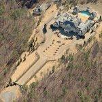 Guitar-shaped mansion (Birds Eye)