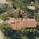 photo: house/residence of cool fun talented  3 million earning Los Angeles, California, United States-resident
