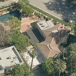 """Bette Midler & Richard Dreyfuss' Mansion in """"Down and Out in Beverly Hills"""" (Birds Eye)"""