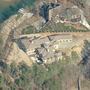 Lake Norman mansion burns to ground (Birds Eye)