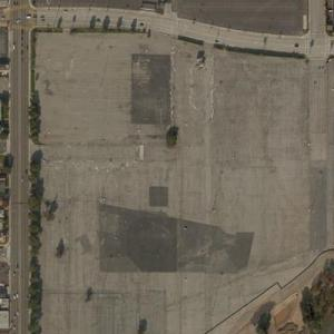 SoFi Stadium at Hollywood Park under construction (Bing Maps)