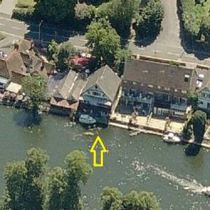 Jimmy Page's boathouse (former) (Birds Eye)