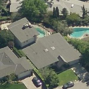 Photo: house/residence of the amusing 8 million earning Burbank, California-resident