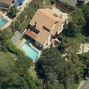 Photo: house/residence of the funny 8 million earning Burbank, California-resident