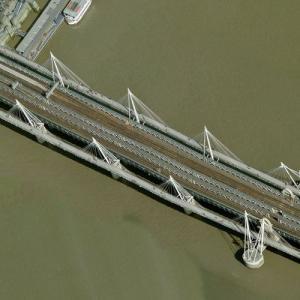 Hungerford Bridge and Golden Jubilee Bridges (Birds Eye)