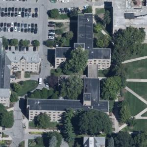 'Keenan Hall and Stanford Hall' by Ellerbe Becket (Birds Eye)
