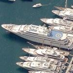 Huge yacht in Monte Carlo (Birds Eye)