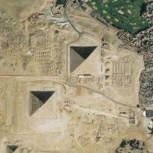 Pyramids of Giza (Bing Maps)