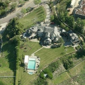 Jessica Simpson's house (Previously Ozzy & Sharon Osbourne's) (Bing Maps)