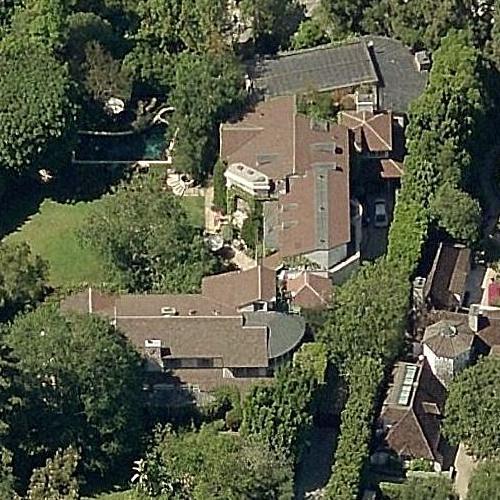 Danny DeVito & Rhea Perlman's House (former) (Birds Eye)