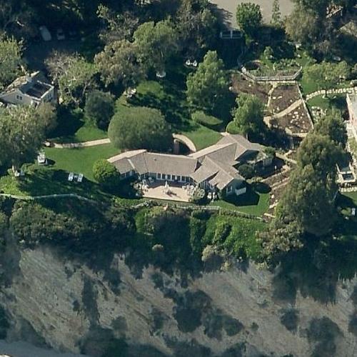 Barbra Streisand S House In Malibu Ca Google Maps 2,Landscaping Backyard Ideas No Grass