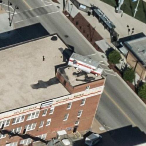 U-Haul truck on a rooftop (Birds Eye)